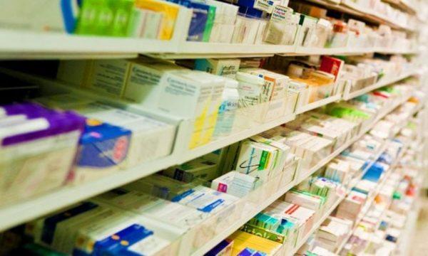 Arredamento del Deposito Centrale di Medicinali – Scaffali e mobili